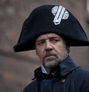 Javert (Russell Crowe)