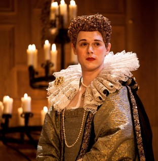 (Queen Elizabeth) Samuel Barnett © Simon Annand