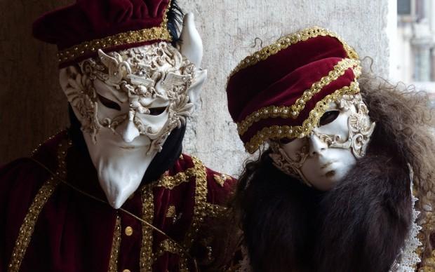 Masked couple, Venice carnival