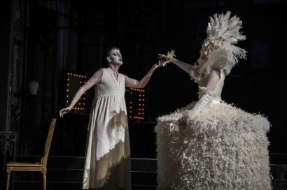 Artaserse (Philippe Jaroussky) and Semira (Valer Sabadus) © Gérard Delacour