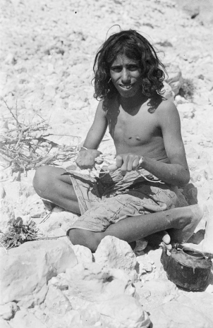 Salim bin Kabina, 1947. Photo by Thesiger.