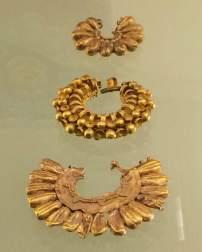 Gold Babylonian jewellery, Pergamonmuseum, Berlin