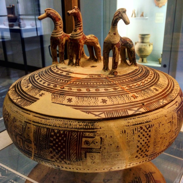 Greek Geometric-period covered bowl with horses, 8th century BC, Martin von Wagner Museum, Würzburg