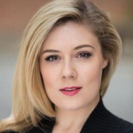 Angela Simkin (Lucilla)