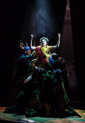 Alcina (Julia Sitkovetsky) finds her powers beginning to wane