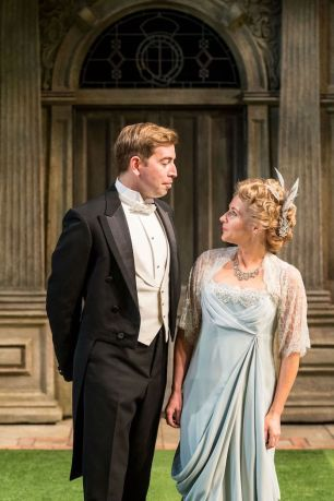 Berowne (Edward Bennett) and Rosaline (Lisa Dillon)