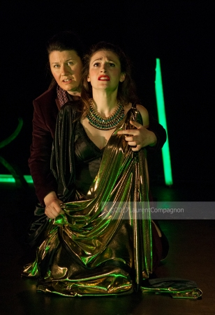 Vice rewarded: Poppea (Clara Fournillier) has second thoughts during her Pur ti miro duet with Nerone (Leslie Davis) © Laurent Compagnon