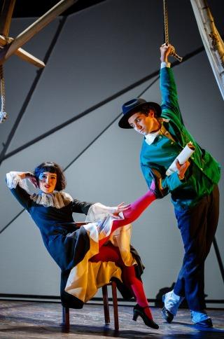 Bella (Audrey Brisson) and Marc Chagall (Marc Antolin)