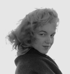 Norma Jeane Baker in Malibu, photographed by André de Dienes (1946)