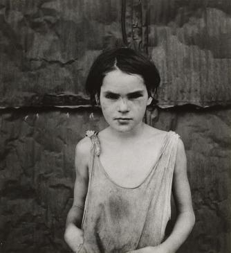 Dorothea Lange, Damaged Child, Shacktown, Elm Grove, Oklahoma, 1936
