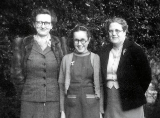 Jean with her niece Babs and her sister-in-law Ivy