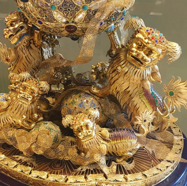 Filigree Gold Lions with Ball, presented by Hebei Province, Handover Gifts Museum, Macau